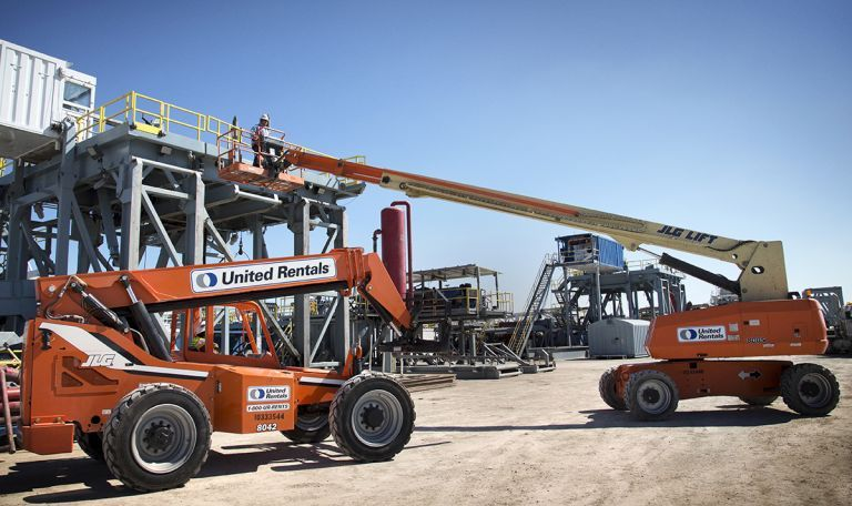 Aerial Lifts on Worksite