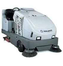 Ride on floor scrubber for rent united rentals for Concrete floor cleaning machine rental